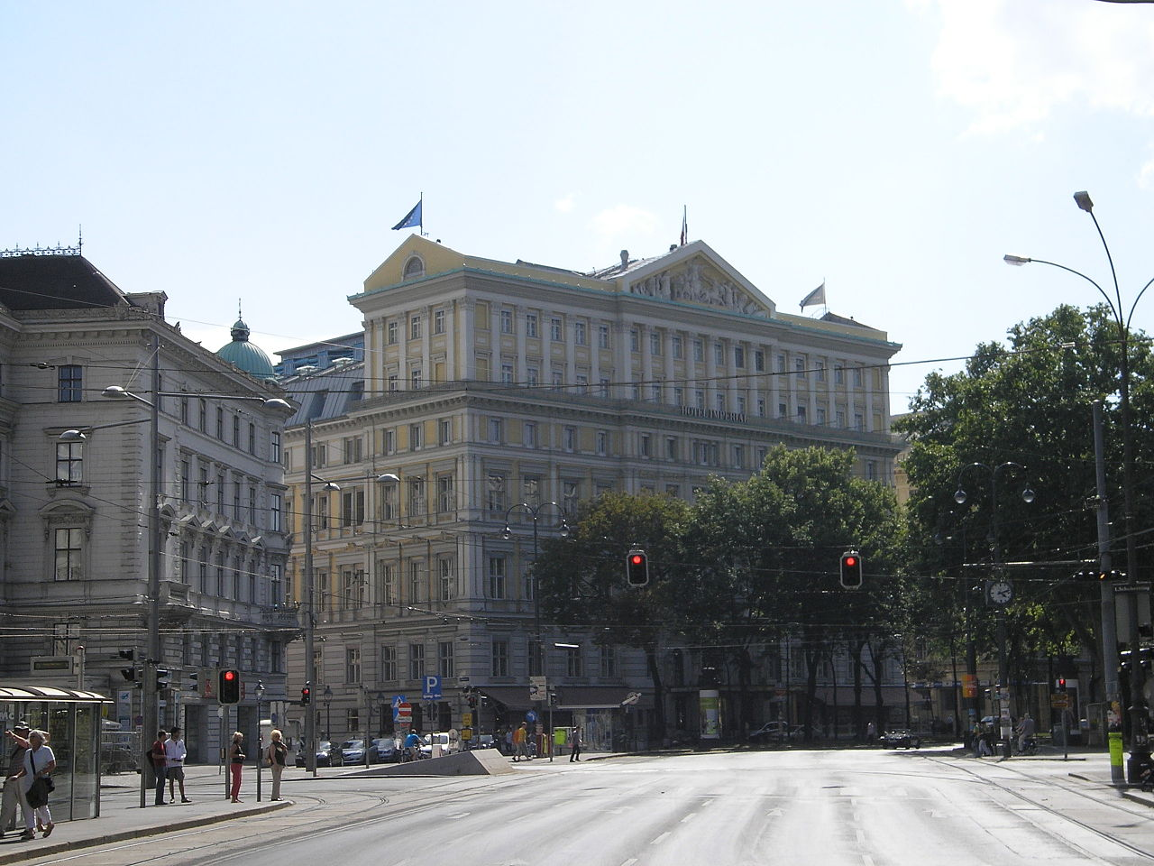 Starwood Hotels & Resorts sells Hotel Imperial, a Luxury Collection hotel, Vienna